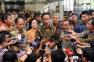 Presiden Jokowi menjawab pertanyaan wartawan usai membuka KOnferensi Forum Rektor di JCC, Jakarta (2/2). (Foto: Humas/Jay)