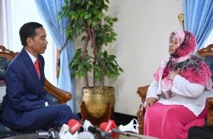 Presiden bertemu dengan Bu Sri sebelum keberangkatan ke Beijing, RRT, (13/5). (Foto: BPMI)