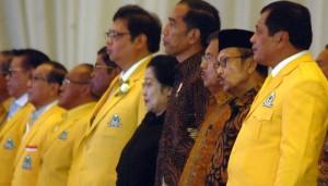 Presiden Jokowi dan Wapres Jusuf Kalla turut menghadiri Munaslub Golkar Tahun 2017 di JCC, Jakarta, Senin (18/12).