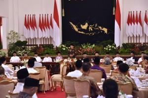 Presiden Jokowi menyampaikan sambutan pada buka bersama di Istana Negara, Jakarta, Jumat (18/5) petang. (Foto: OJI/Humas)