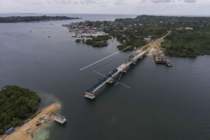 Jembatan Wear - Arafura yang menghubungkan Pulau Yamdena dan Pulau Larat di Kabupaten Maluku Tenggara Barat (MTB), Provinsi Maluku. (Foto: Kementerian PUPR)