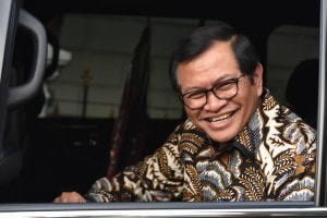 Seskab usai mendampingi Presiden di Istana Kepresidenan Bogor, Jawa Barat (Jabar), Senin (7/5) sore. (Foto: Humas/Oji).