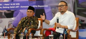 Menaker Hanif Dhakiri dan Mendikbud Muhadjir Effendy pada Press Conference Forum Merdeka Barat 9 (FMB9) di Jakarta, Kamis (8/11). (Foto: Humas Kemnaker)