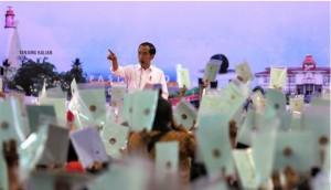 President Jokowi attends the distribution of land certificates in Pangkal Pinang, Bangka Belitung, Thursday (14/3). Photo by: Rahmat/PR