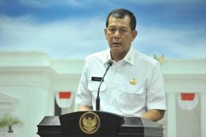 Kepala BNPB Doni Monardo menyampaikan keterangan pers usai rapat terbatas, di Kantor Presiden, Jakarta, Senin (15/7) sore. (Foto: JAY/Humas)