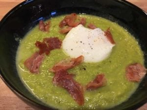 Pea Soup With Ham & Poached Egg - quick and easy starter recipe. Perfect starter for a dinner party, pea soup tastes amazing! | AmateurChef.co.uk
