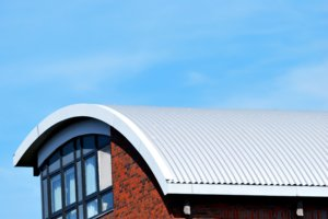 Wellblech wird beim Blechdach ebenfalls verwendet.