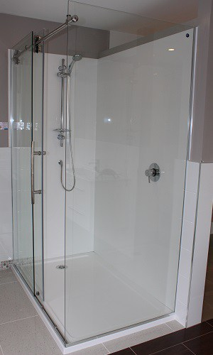 Glass shower doors Dreamline Urban