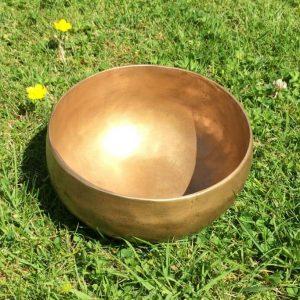 Spiral Crystals - Handbeaten Singing Bowl 500g