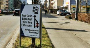 Plakataktion der CSU im Stadtratswahlkampf in der Kreillerstraße in Berg-am-Laim
