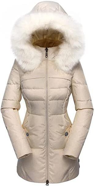 Faux fur hood coat for winter | 40plusstyle.com