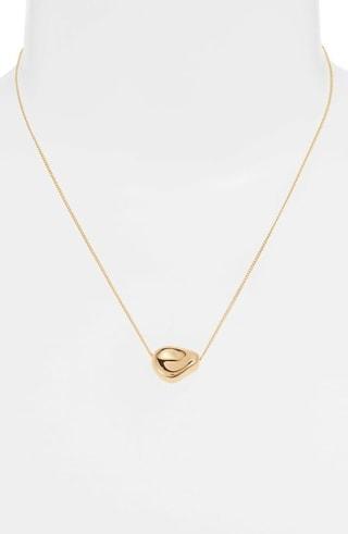 Jenny Bird pendant necklace | 40plusstyle.com