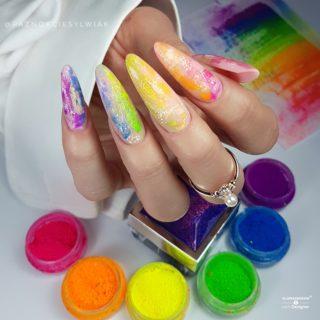 pastelowe kolory na wiosnę w manicure hybrydowym
