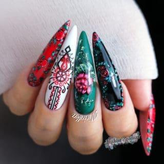 folkowe inspiracje w manicure