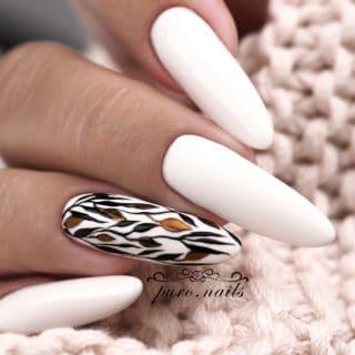 jesienne zdobienia na paznokciach