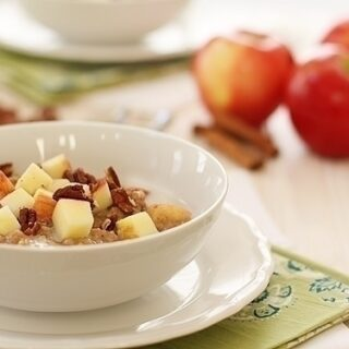 Overnight Apple Pie Steel Cut Oats