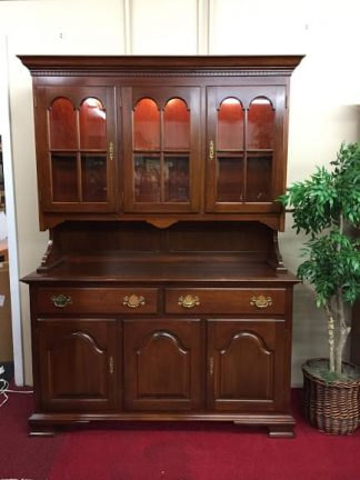 colonial furniture lighted hutch