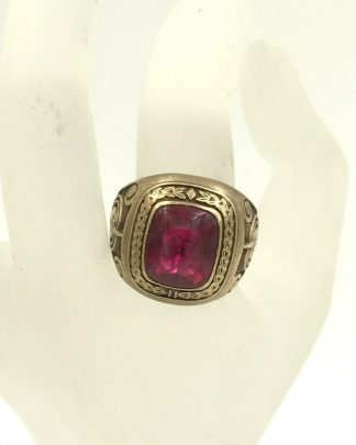 Vintage 10K Yellow Gold Ruby Jostens Mens Class Ring 18g Size 11