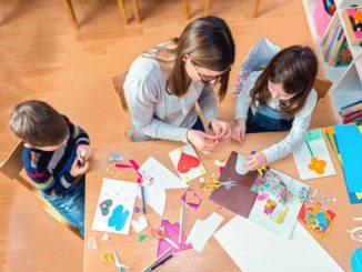 Art Curriculum Homeschool, Art Curriculum Homeschool Make Clay, Family Homeschooler