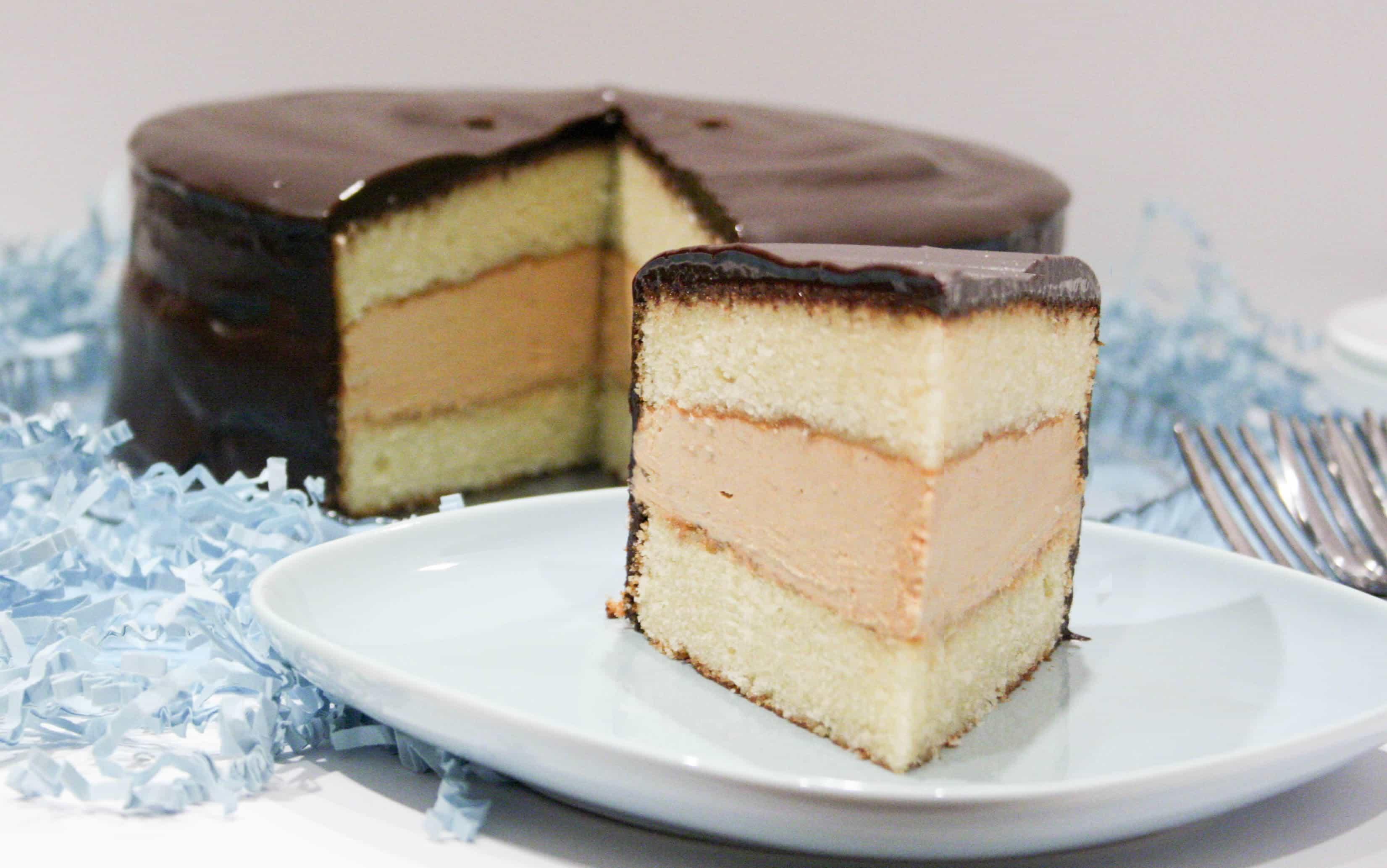 tandy-cake-w-slice-01