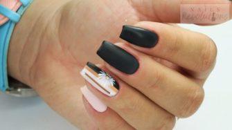 czarne lakiery do paznokci