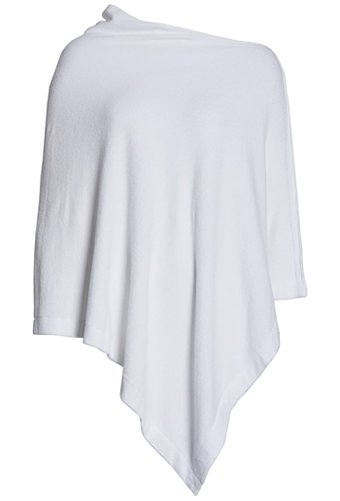 Barefoot Dreams poncho | 40plusstyle.com