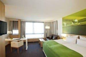 hotel_near_rickenbackers
