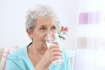 Как помочь, если пожилой родственник заболел