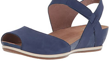 Best shoes with arch support - Dansko Women's Vera Flat Sandal | 40plusstyle.com