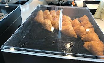 ラウンジの稲荷寿し画像