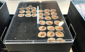 ラウンジの巻き寿司画像