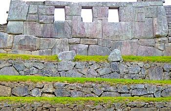 マチュピチュ3つの窓外からの画像