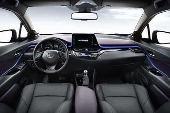 interior mobil, harga mobil terkini, dashboard mobil,