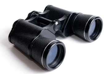Spotting scopes vs binoculars an eye opening comparison