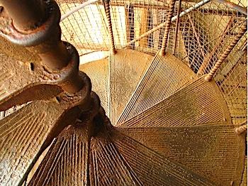 螺旋階段画像