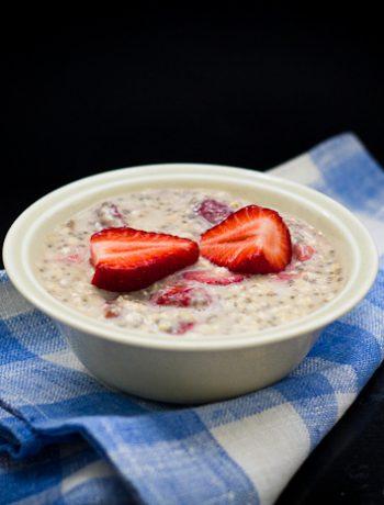 Ένα πρωινό που ετοιμάζεται αποβραδίς και το πρωί είναι έτοιμο. Για πολυάσχολους και... υπναράδες! -Overnight Oats with Chia Seeds for.. heavy sleepers!