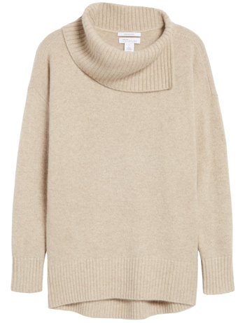 Minimal capsule wardrobe for winter - Nordstrom Signture cashmere pullover | 40plusstyle.com
