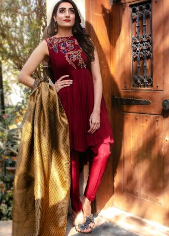 EXCLUSIVE MAROON AND GOLDEN PARTYWEAR - AQS334
