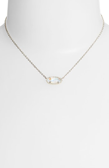 Meaningful gifts - Kendra Scott birthstone pendant necklace | 40plusstyle.com