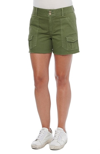 Wit & Wisdom Ab-Solution Frayed High Waist Cargo Shorts | 40plusstyle.com