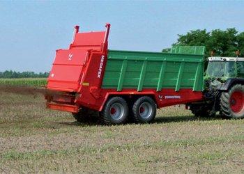 FARMTECH szervestrágya és komposztszórók, a hatékony tápanyag-visszapótlás gépei