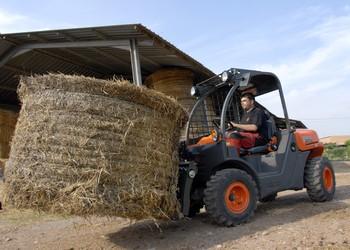 A gazdák egyik kedvelt munkagépe a farmon az AUSA Taurulift