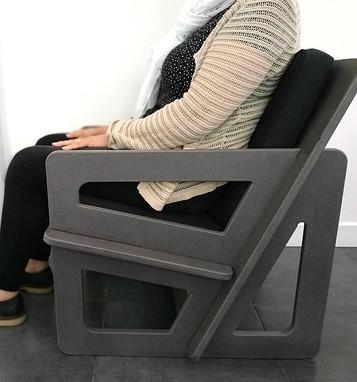 UN fauteuil adapté à une  taille de 158 cm