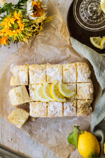 Lemon Cake with Cream Cheese and Crumb Topping