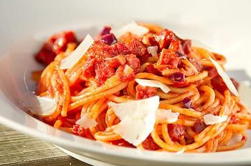 Spaghetti met salami