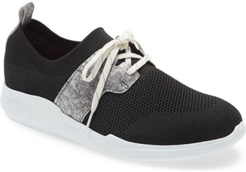 Shoes for wide feet - Munro 'Sandi' sneaker | 40plusstyle.com