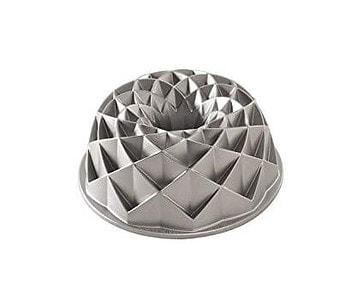 8. Nordic Ware Jubilee Bundt Pan, Metallic