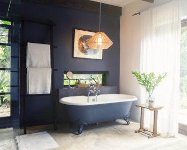 SMALL BATHROOM IDEAS WITH BATHTUB AND SHOWER, FROM MINIMALIST STYLE TO RUSTIC