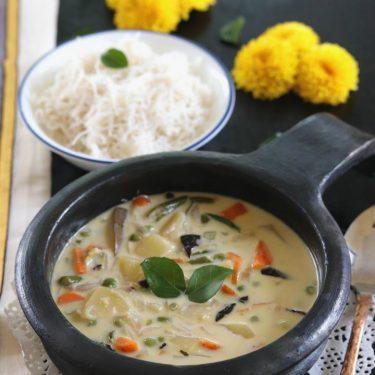 Kerala Vegetable Stew with Coconut Milk / Ishtew Recipe
