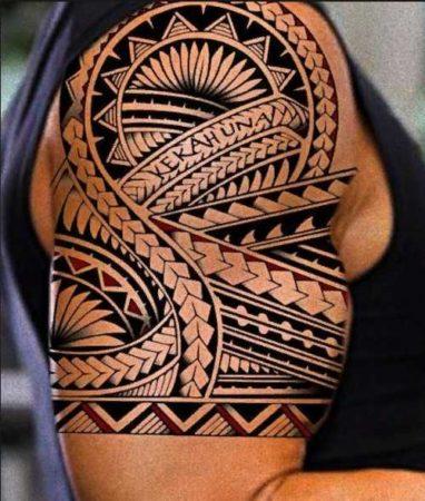 узоры полинезии тату на плече